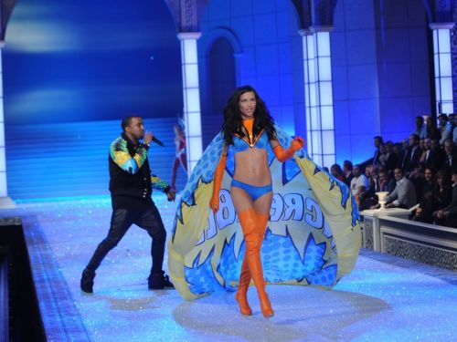 Victoria's Secret exec says that the brand's extravagant fashion shows didn't give it a significant sales boost