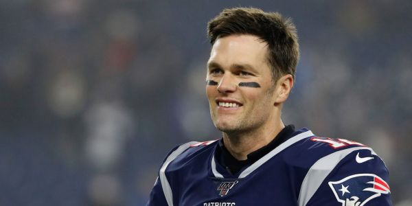 NFL insider says the Titans and the Raiders both might be ahead of the Patriots in the race to sign Tom Brady