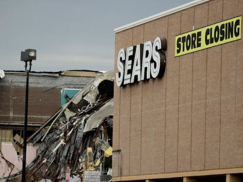 Creditors urge Sears to shut down all its stores, calling its plan for survival 'wishful thinking'
