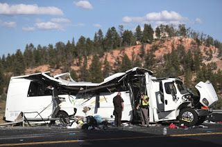 Bus with Chinese tourists crashes in Utah; 4 dead