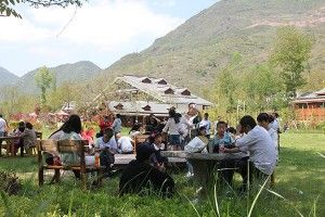 Village tourism in China gets a boost by free canteen